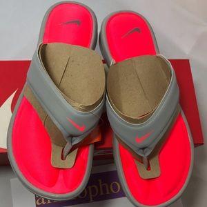New Women's Nike Ultra Comfort Thong Size 9